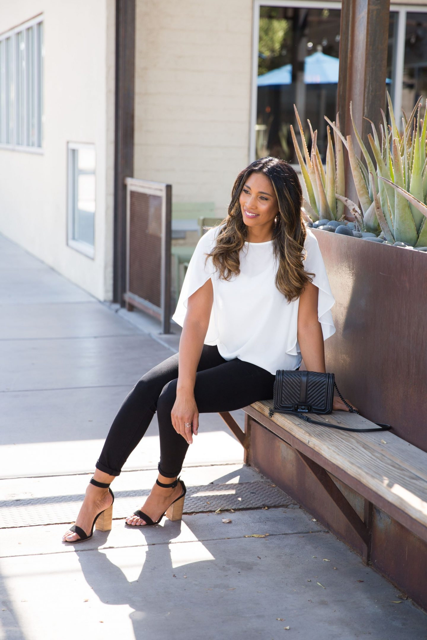 WHITE BLOUSE, CHIC STYLE, DATE NIGHT LOOK, AZ BLOGGER